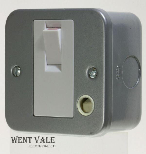 Tenby Metalclad - 7084MC - 20a D/Pole Surface Control Switch with Flex Outlet